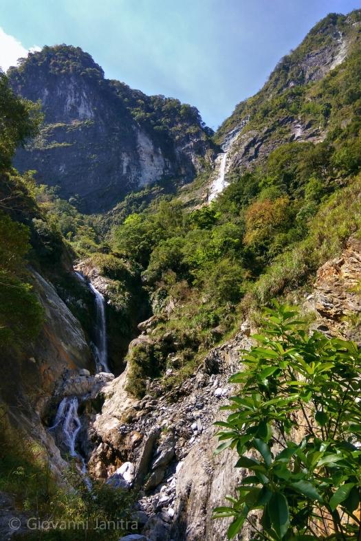 Baiyan Trail Waterfall