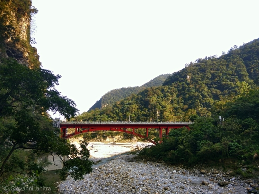 Bridge to Shakadang Trail